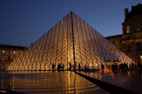 "The Louvre at Night / ""Louvre Pyramid"" © Hteink.min"